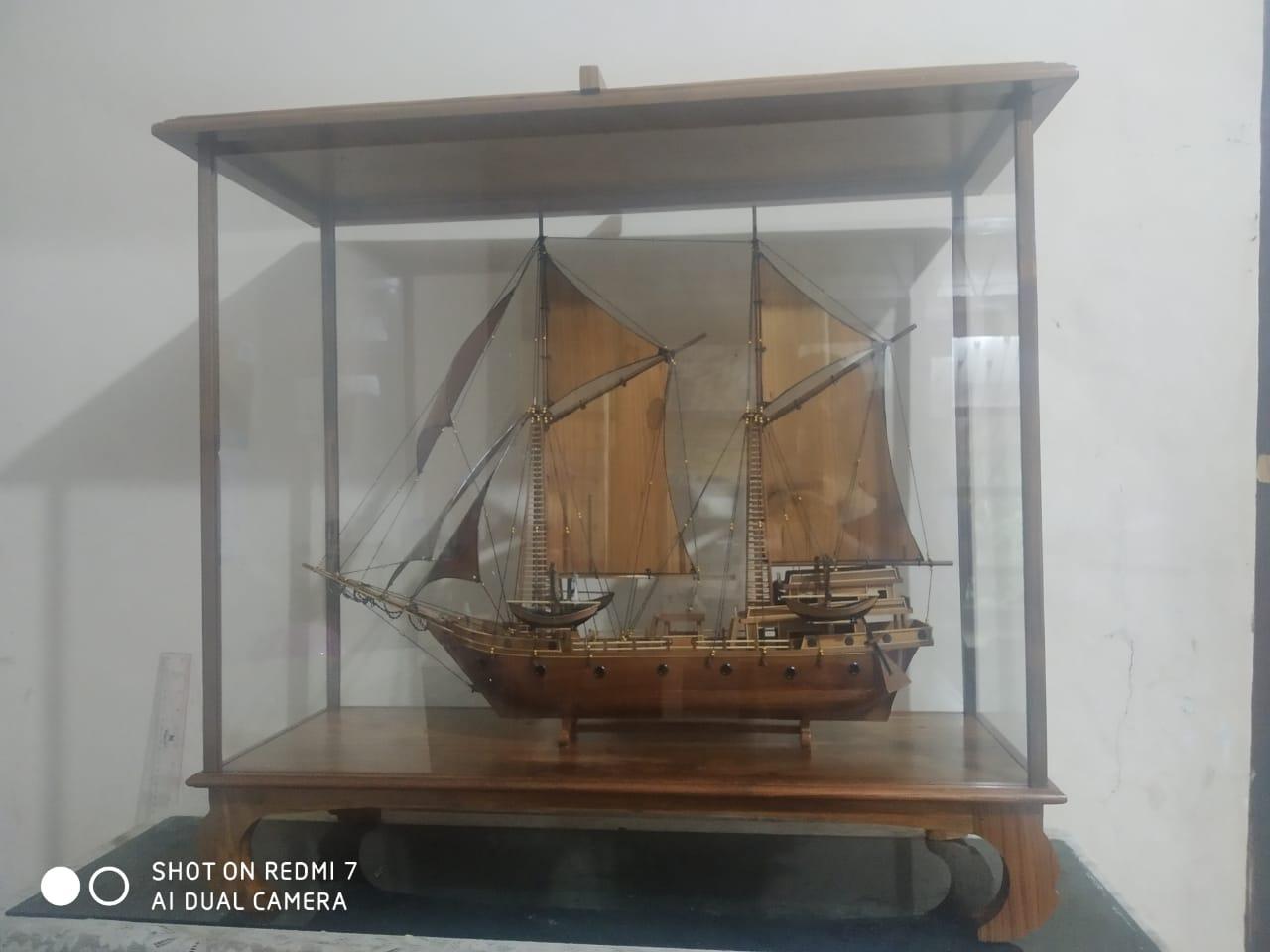 Miniatur Perahu